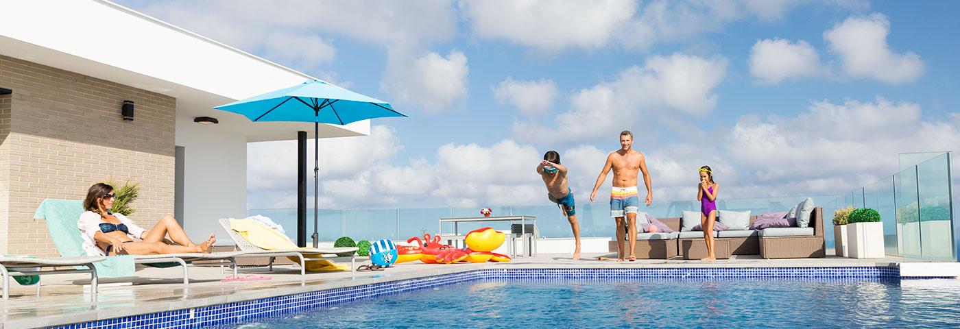 Con qui n for Casas con piscina privada para vacaciones